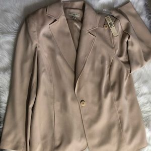 Amanda Smith Woman Three Piece Pants Suit